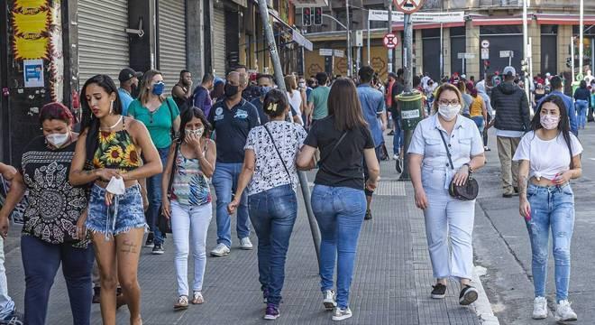 Governo de SP autoriza abertura de comércio por 8 horas