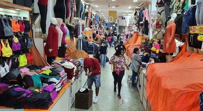 Consumidor deve acompanhar abertura gradual da economia com cautela