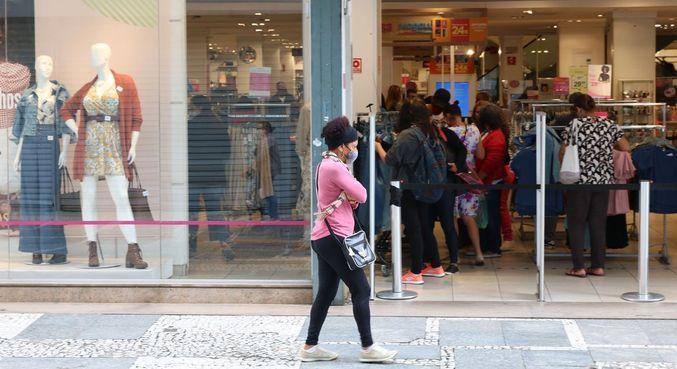 Comércio varejista de vestuário e acessórios apresentou o maior fluxo de novos negócios