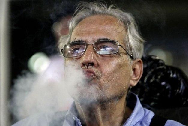 Como a final da Taça Guanabara de 2000 foi no domingo de Páscoa, Eurico recebeu os vascaínos com chocolates no Maracanã. Após a goleada por 5 a 1 o presidente disparou: