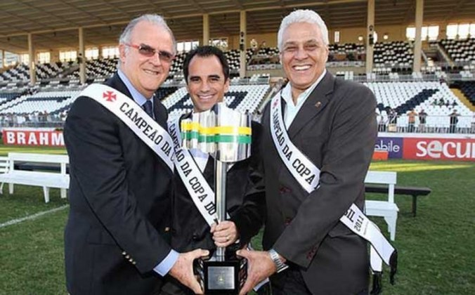 Como dirigente, roberto Dinamite não teve o mesmo brilho, com altos e baixos, foi questionado, porém vale destacar que ele era o presidente do último título nacional do Vasco: a Copa do Brasil 2011.