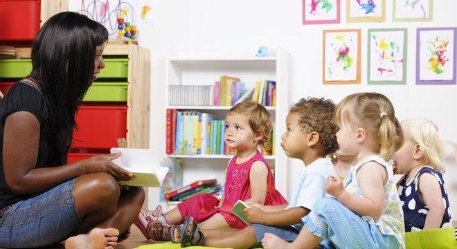 Como ensinar o alfabeto - Dicas e brincadeiras para ensinar crianças