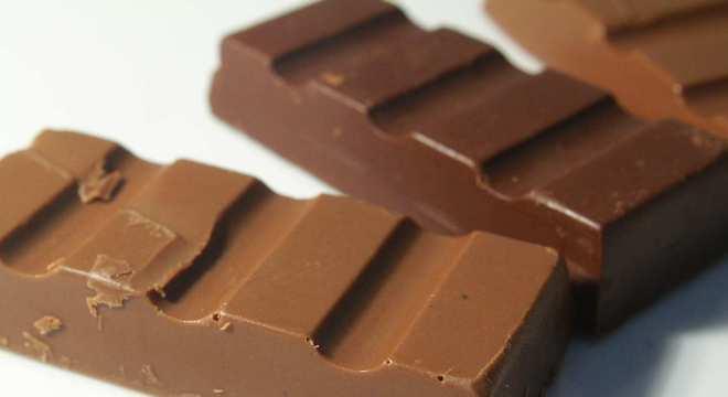 Como fazer chocolate - Ao leite e amargo