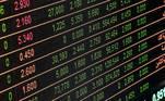 É fundamental entender que os riscos estão sempre atreladosaos papéis nos quais o investidor está interessado. Portanto, quem compra açõesda Petrobras, por exemplo, deve levar em conta o desempenho da companhia