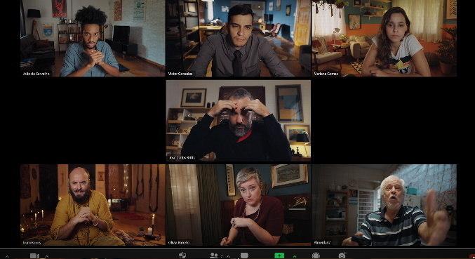 'Como Hackear Seu Chefe' é contado com uso de telas de computadores e celulares