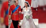O casamento de Kate Middleton com o príncipe Willian completa uma década nesta quinta (29). O vestido usado pela futura rainha da Inglaterra tem exercido influência sobre as mais diversas mulheres com o passar dos anos. Com valor aproximado de 1,8 milhões de reais, o modelo encantou espectadores da cerimônia no mundo todo. Confira detalhes da peça e veja quais celebridades já se inspiraram na duquesa de Cambridge