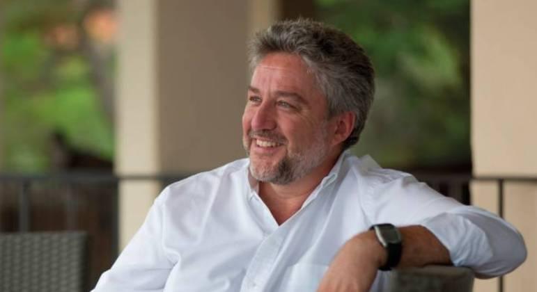 Álex Rovira, graduado em ciências de negócios, palestrante e escritor, é especialista em psicologia da liderança