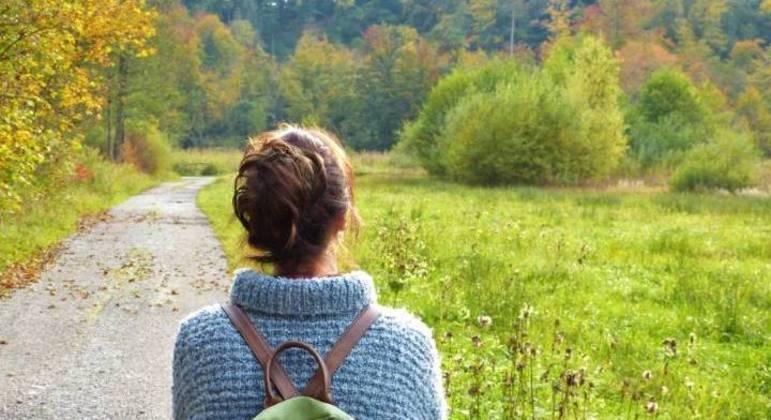 O primeiro passo rumo à liberdade é observar as próprias emoções, diz Rovira