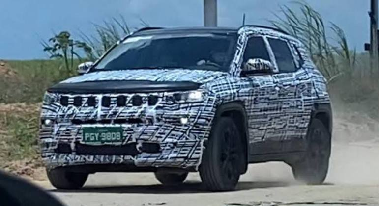 Compass já está em fase final de testes enquanto a Jeep prepara lançamento de outro produto