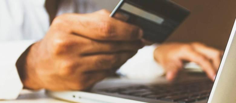 Com as festas de fim ano, as transações pela internet aumentam