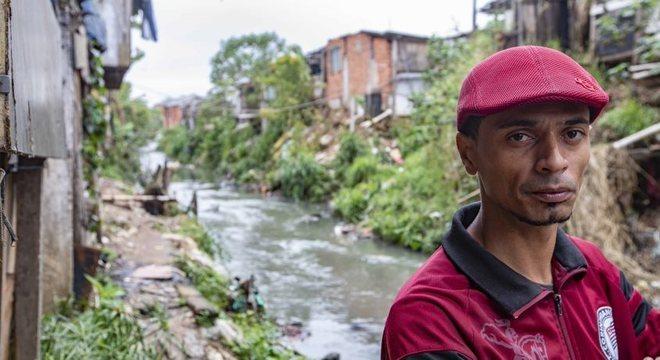Jhones é um líder dentro da comunidade Vietnã