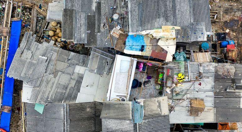 Visão aérea de uma comunidade (ou favela?)