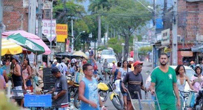 Comunidades de Recife e Olinda ainda não se adequaram ao isolamento devido ao coronavírus