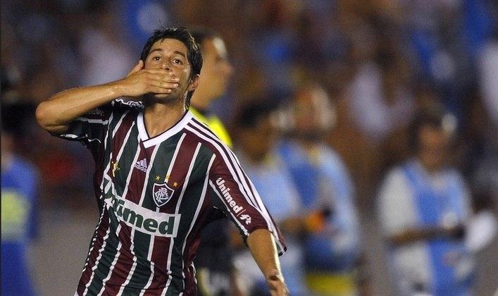Conca: após atuar pelo Vasco no início da carreira e fazer história pelo Fluminense, estava no futebol chinês e foi emprestado para o Flamengo, tendo passagem apagada pela Gávea.