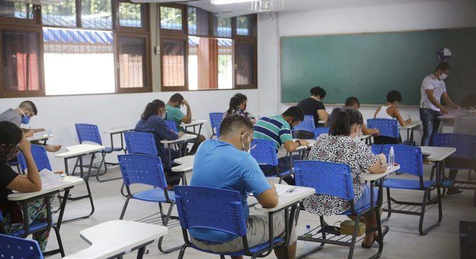 A FeSaúde de Niterói (RJ) está oferecendo 898 vagas até a próxima quinta-feira (12)