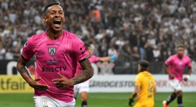 Independiente del Valle fez o que quis com o Corinthians. 2 a 0 foi pouco