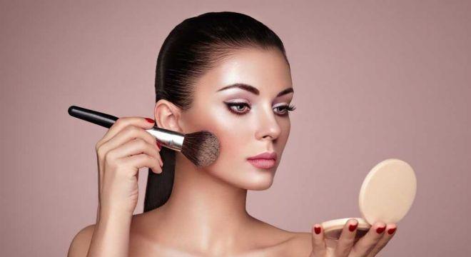 Confira algumas dicas para conseguir uma maquiagem duradoura