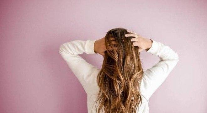 Confira alguns nutrientes para o cabelo crescer de forma saudável