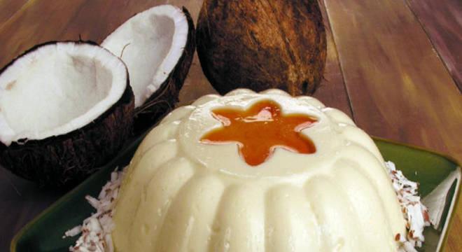 Confira como fazer essa sobremesa de coco