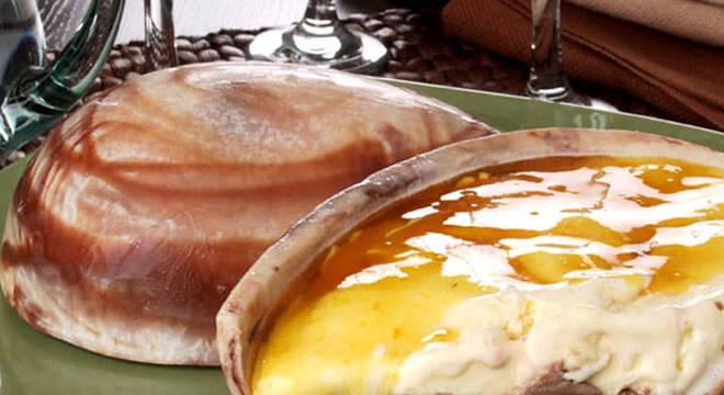 Confira como fazer um ovo de Páscoa caseiro com sorvete