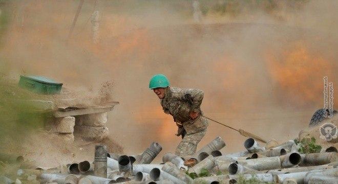 Forças dos dois países iniciaram conflito armado no último domingo