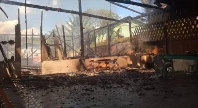 Garimpeiros travam cidade no Pará e incendeiam casas de indígenas