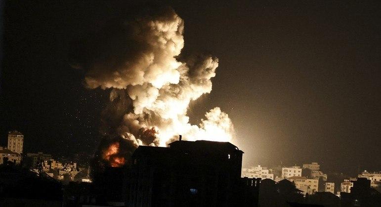 Ataques contra a Faixa de Gaza continuaram durante a noite