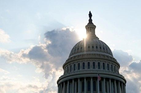 Câmara dos EUA formaliza impeachment de Trump