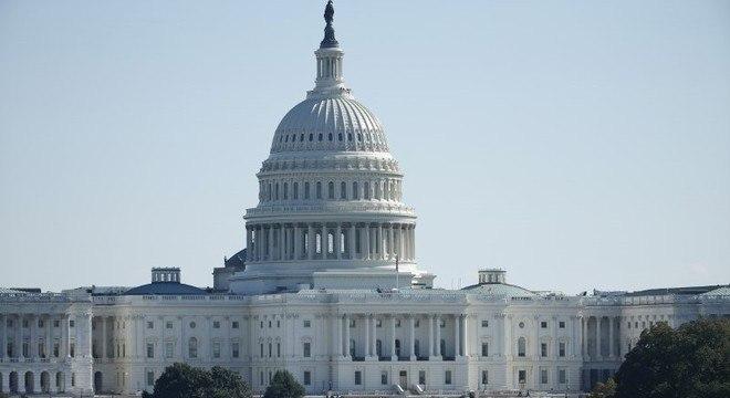 Congresso dos EUA aprovou um pacote de US$ 2,2 bilhões emergenciais