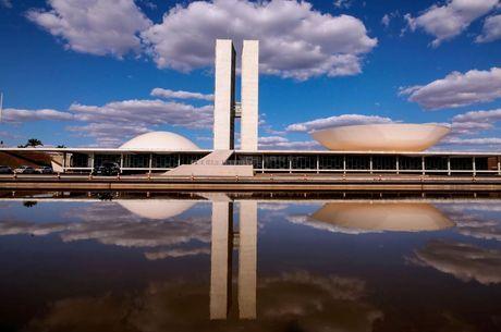 Espelho d'água em frente ao Congresso Nacional