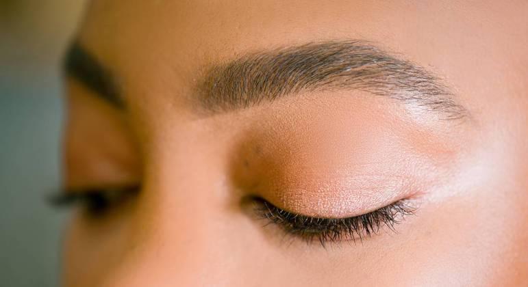 Conheça a técnica exclusiva de micropigmentação de sobrancelhas que garante resultados naturais