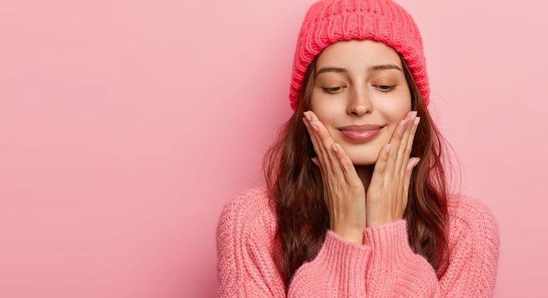 Conheça os cuidados essenciais com a pele no inverno
