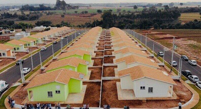 Políticas de moradia e transporte também levam em conta dados populacionais coletados pelo Censo; acima, conjunto Habitacional no Estado de SP