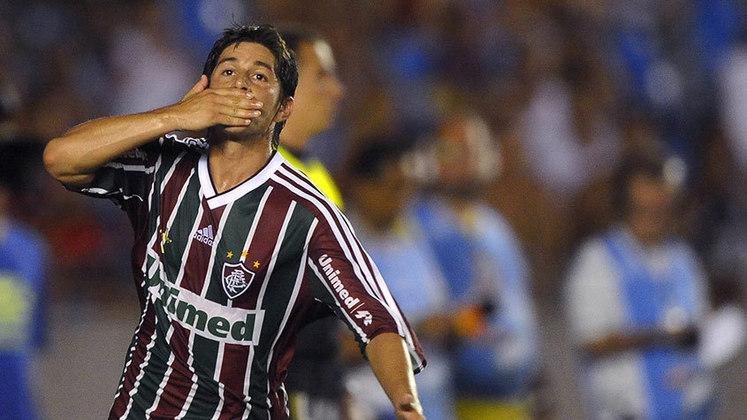 Consagrado como herói do título brasileiro do ano anterior, Conca deixou o clube em junho de 2011 e partiu para o Guangzhou Evergrande. Três anos depois, retornou ao Fluminense como esperança da equipe e chegou a ter um bom desempenho. Mas, ao lado de Fred, não conseguiu levar a equipe à Copa Libertadores.