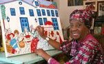 Raquel Trindade. Escritora, folclorista, carnavalesca, artista plástica, dançarina, coreógrafa. Essas são só algumas das múltiplas atribuições de Raquel Trindade, recifense que viveu e construiu história em São Paulo, mais precisamente em Embu das Artes, na região metropolitana da capital.Nascida em 10 de agosto de 1936, Raquel chegou em São Paulo na década de 1960, e se tornou uma das figuras mais importantes da cultura regional e brasileira. Ela é fundadora doTeatro Popular Solano Trindade, em Embu das Artes, nos anos de 1970, e, na década anterior, do movimento de artes da Praça da República. Também foi a responsável por fundar a NaçãoKambindade Maracatu.Raquel morreu em 15 de abril de 2018, com 81 anos, em Embu das Artes