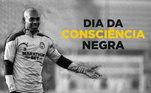 O Manchester City postou uma foto de Fernandinho com a mensagem:'Para a sociedade Brasileira e a comunidade Negra, é uma data importante, para relembrar que a Igualdade Racial precisa de ser respeitada. Somos todos iguais e todos merecemos acesso ao conhecimento e educação.'