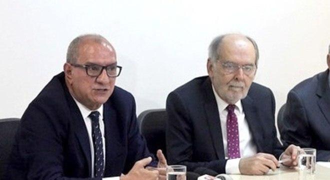 Os diretores do CFM apresentam a atualização dos princípios éticos na medicina