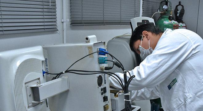 Diversas ações coordenadas pela indústria estão sendo feitas para combater a covid-19, como o conserto de respiradores