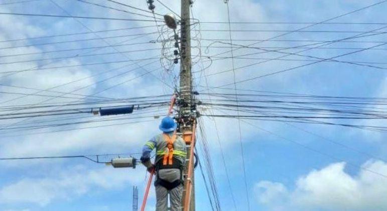 Depois de apagão na virada do ano, energia elétrica é 100% restabelecida em Teresina