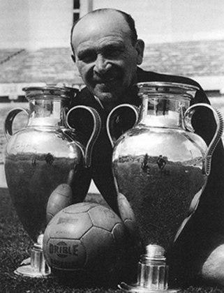 Considerado pela revista France Football como um dos 50 melhores treinadores do futebol mundial, Guttmann ganhou o Estadual pelo São Paulo, a última taça antes do maior jejum do clube, de 13 anos
