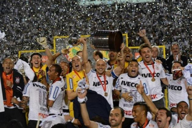 Consolidado e título com quebra de tabu - Campeão da Libertadores - 4/7/2012 - Em seu 12º jogo pelo Timão, já entrava definitivamente para a história do clube com o tão sonhado título da Liberta. Seu primeiro com a camisa alvinegra