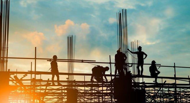 Setores como o de construção civil ainda não reagiram