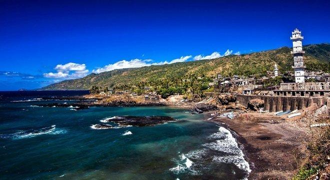 Várias cidades na ilha foram sugeridas como patrimônio mundial