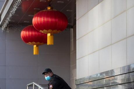China diz que pode fechar consulados dos EUA