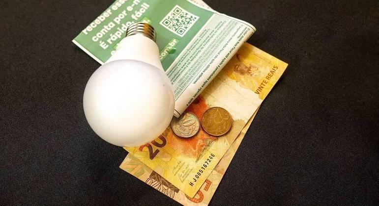 Contas de luz em atraso em SP podem ser parceladas, afirma Enel