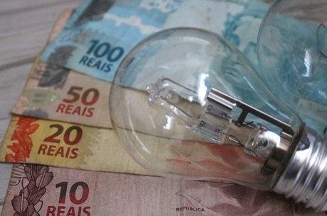 Consumidor não terá cobrança extra na contas de luz em março.