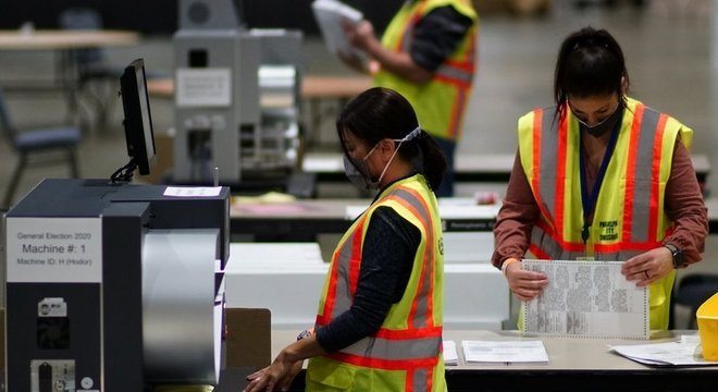 Quatro dias após o dia da eleição, EUA ainda não concluíram apuração dos votos
