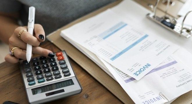 Apenas 16% das pessoas pagam o cartão de crédito em dia