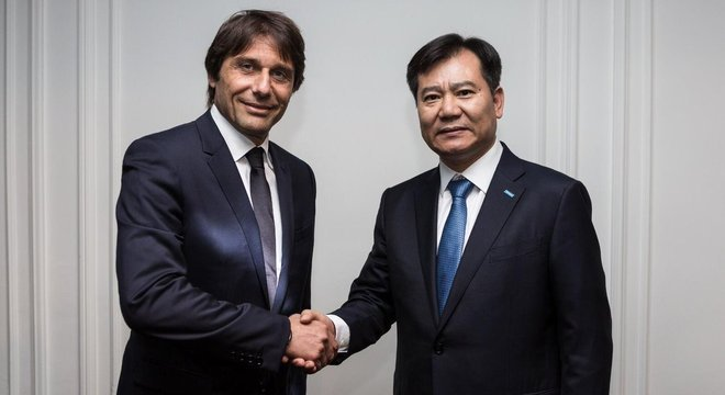 Conte e Zhang, um acordo de paz...