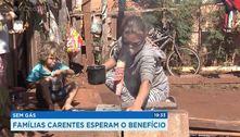 Sem gás, famílias carentes esperam o benefício